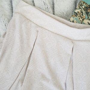 LuLaRoe Madison Tone-On-Tone Cream Skirt